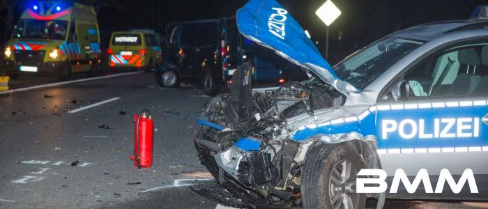 Kamenz: PKW kracht in Polizeiauto